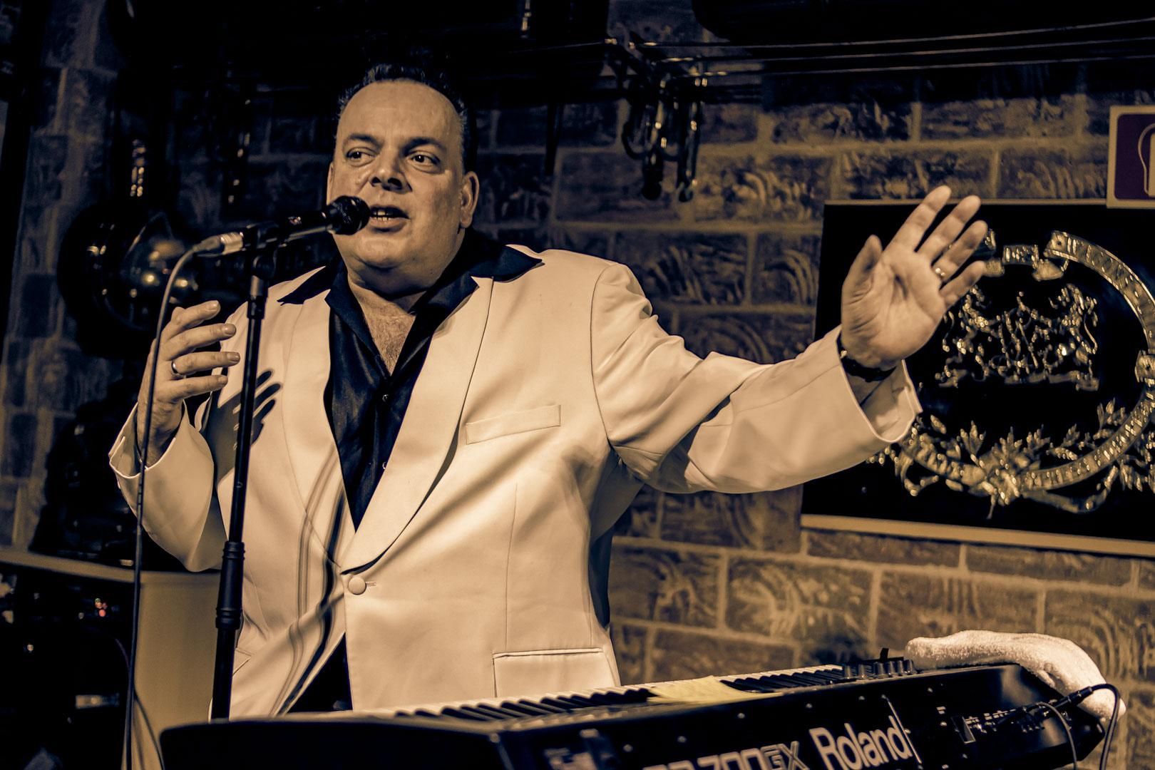 mike sanchez piano jazz zaragoza